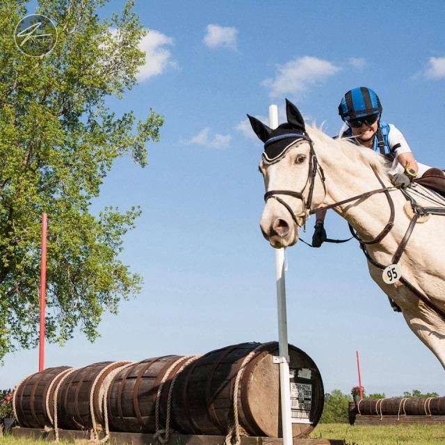 Chrissy West and Minion demonstrate how to properly run out at a barrel fence