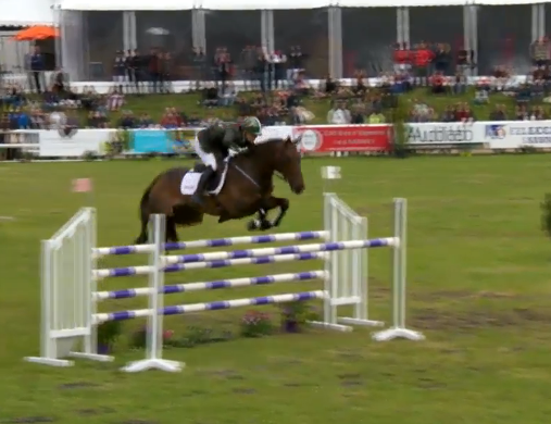 Camlia Speirs and Portersize Just a Jiff. Screenshot via Saumur live stream.