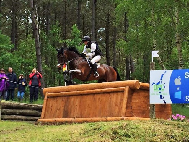 Christopher Guillemet and Mach de la Barre on cross country. Photo via the Samur Complet Facebook page.