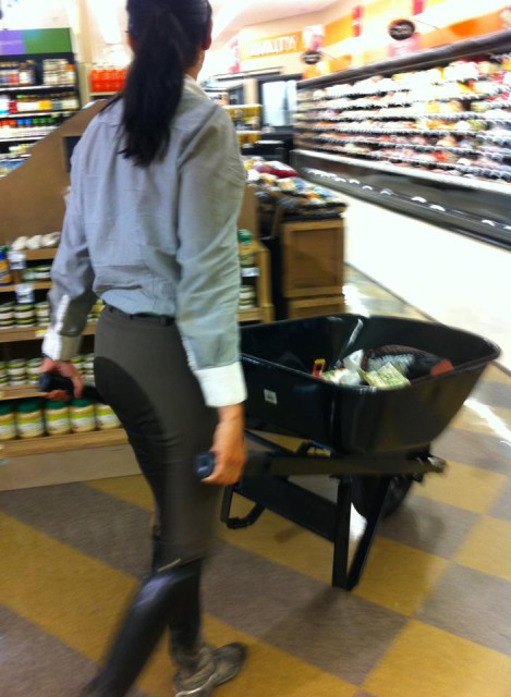 uncomfortable situation #3024 : Bringing your own trolley to the super market