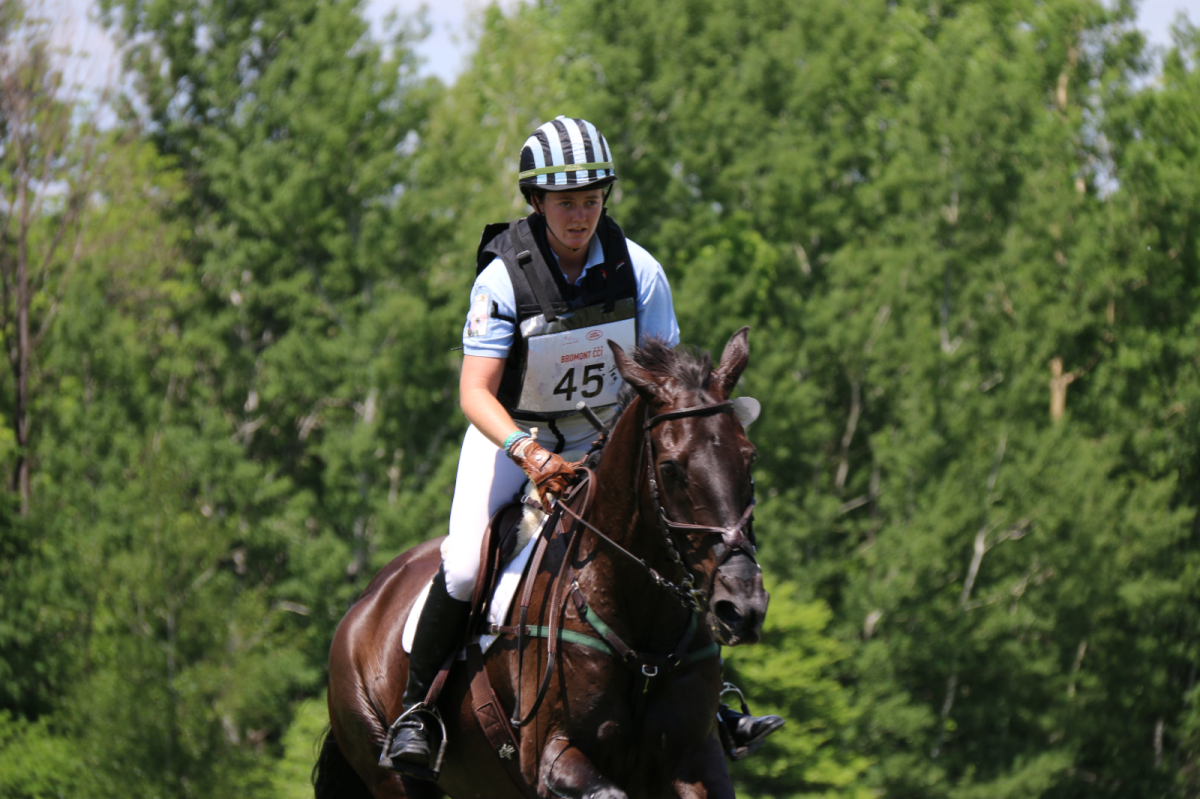 Lizzie Snow and Coal Creek sit in 5th place after CCI3* XC this weekend. Photo by Leslie Wylie.