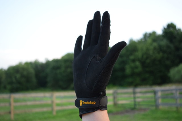 The Summer Cool glove features Air Fibre fabric on the palm, which is a synthetic suede material that provides for an increase in sensitivity and control through the thin, yet durable material - Photo by Lorraine Peachey