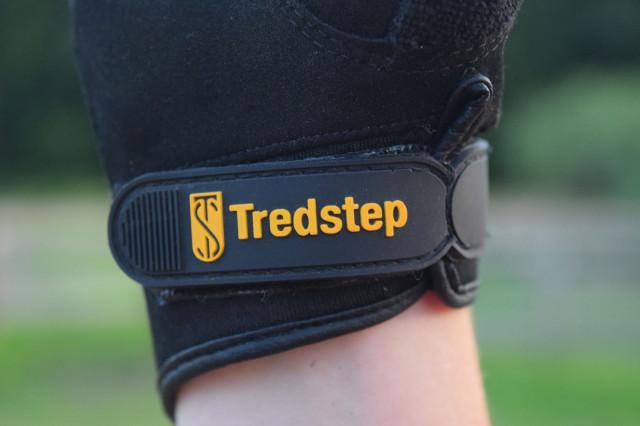 Tredstep logo on Summer Cool gloves - Photo by Lorraine Peachey