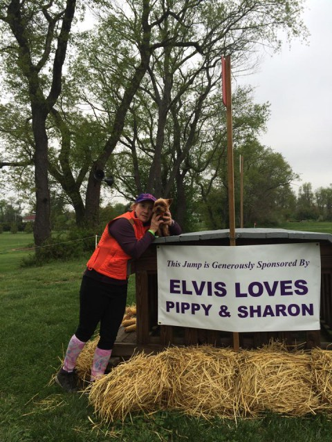 Elvis showing some love for Sharon at Jersey Fresh this year. Photo via Mary Ann Ghadban.
