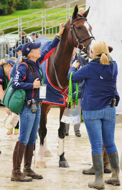 Evie Dutton and Joanie Morris congratulate Trading Aces after his test. Photo by Jenni Autry.