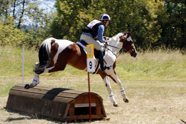 Jen Johnson and Flash Player, first in Novice Sr. A. Photo by Dave Grimmer.
