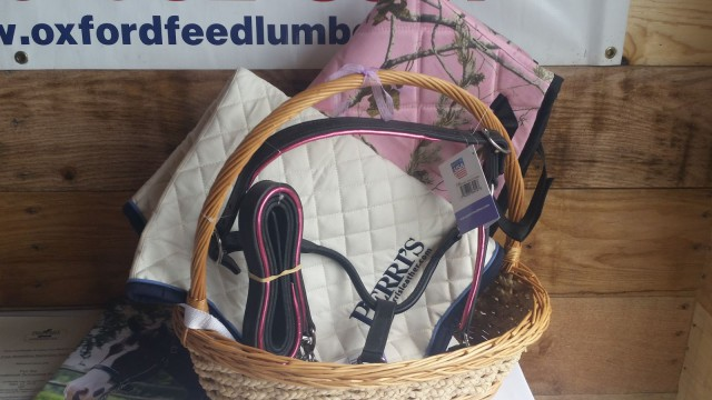 Do you like PINK...this basket from Perri's leather may have your name on it....well, if you're at PFHT and write down your bid, that is.