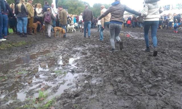 Mud! Photo via Boekelo's Facebook page.