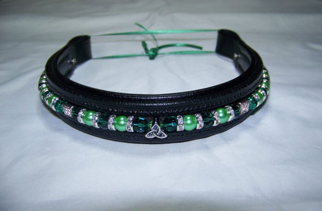 Fully custom browbands include two interchangeable strands of beads. Photo courtesy of Dark Jewel Designs Facebook page.
