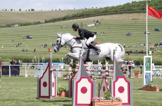 Andrew Nicholson and Avebury on their way to a clear round. Photo by Katy Vincent.