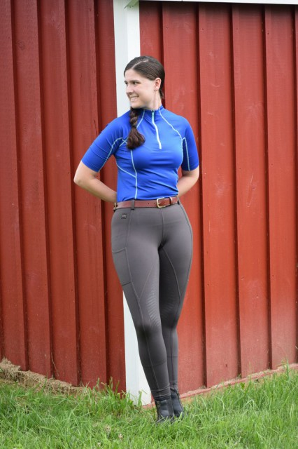 The stretchy waistband of the TECHTREADS hugged my waistline without gaping, yet the cut through the hips combined with the stretchiness of the fabric helped the breeches to fit my curves nicely - Photo by Lorraine Peachey