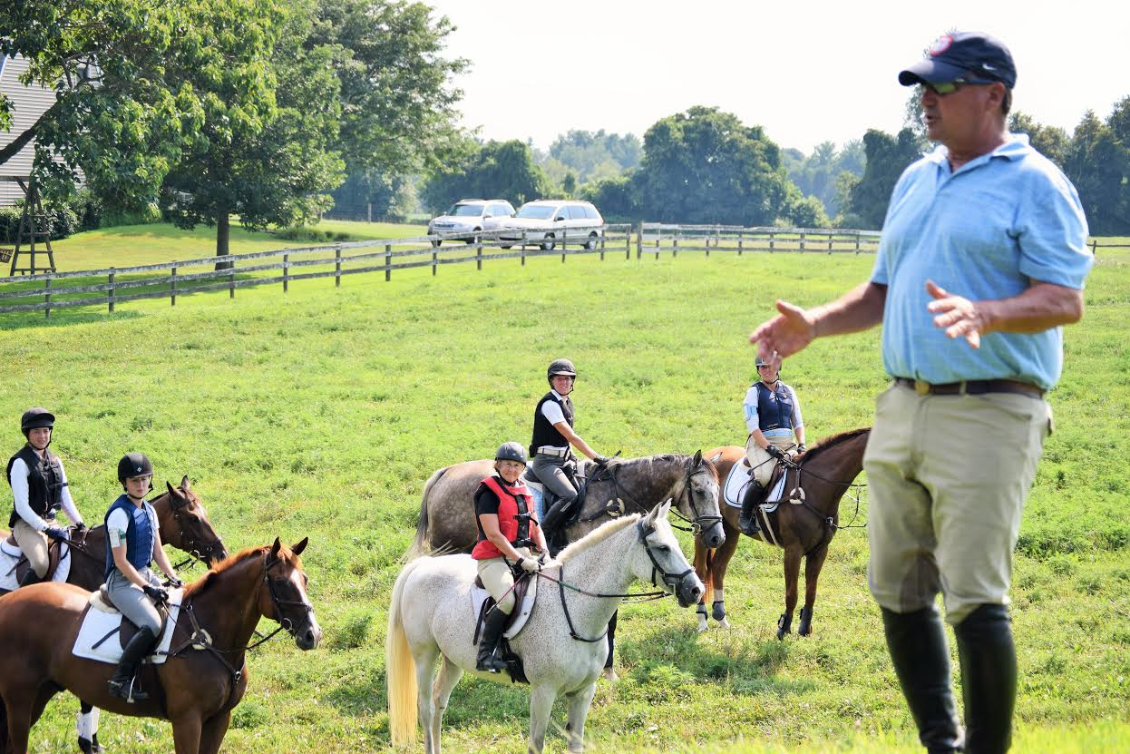 3 David speaking to riders and auditors during the afternoon XC session. Photo by Sarah Gonzalez.
