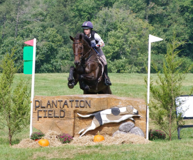 Caitlin Silliman and Vagabon de Champdoux over 9A the Plantation Log