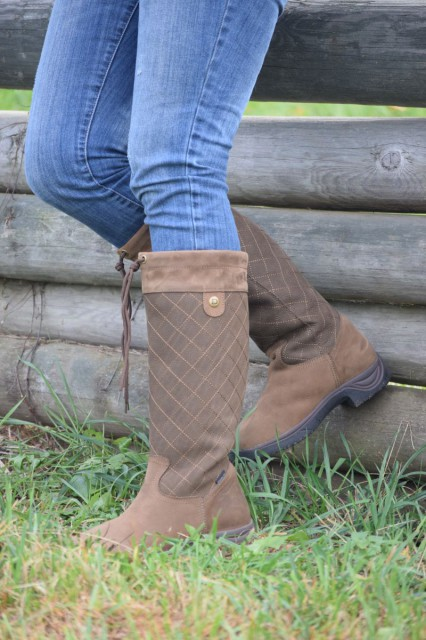 The Medway Thinsulate Tall Boots feature (as the name suggests) a breathable Thinsulate lining, which helps them to have a comfort range down to -34 degrees. Photo by Lorraine Peachey.
