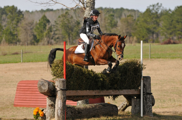 Makenna Rold and Fernhill Choc. Photo by Hoofclix.com.