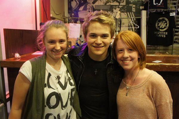 McKenna, Hunter Hayes and McKenna's best friend Abby. Photo courtesy of McKenna Oxenden.