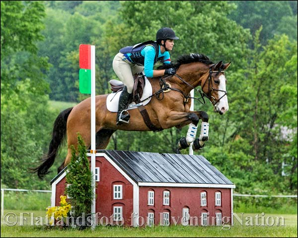 Alice VanBokkelen and Classic Skyline. Photo courtesy of Joan Davis / Flatlandsfoto.