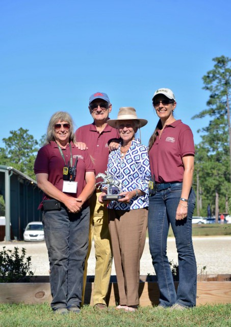 Event Organizer Anne Dearborn, Stable View owners Barry and Cyndy Olliff, Honoree Joannah Glass, and Nick Attwood of Attwood Equestrian Surfaces. Photo by Lisa Thomas, Mid-Atlantic Equestrian