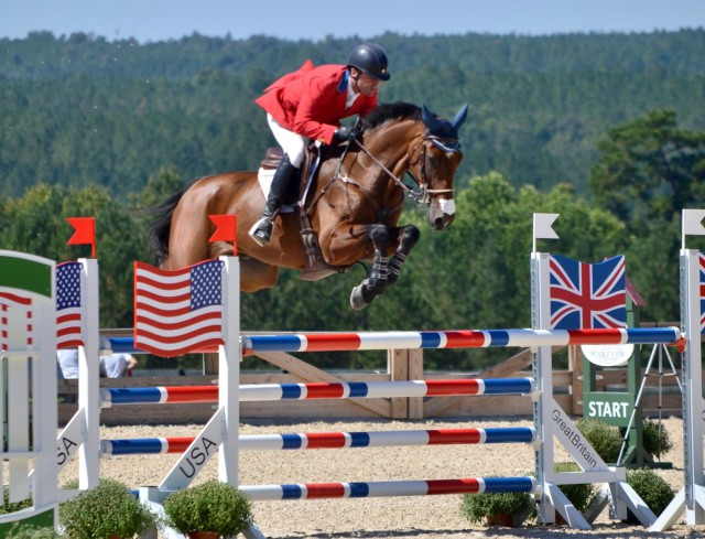 Phillip Dutton and Z. Photo by Lisa Thomas, Mid-Atlantic Equestrian.