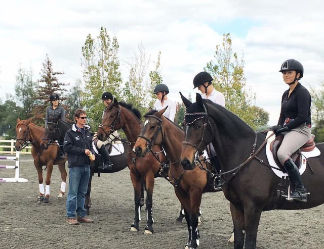 William Fox-Pitt chats up one of his clinic groups at Dragonfire Farm. Photo via Dragonfire Farm.