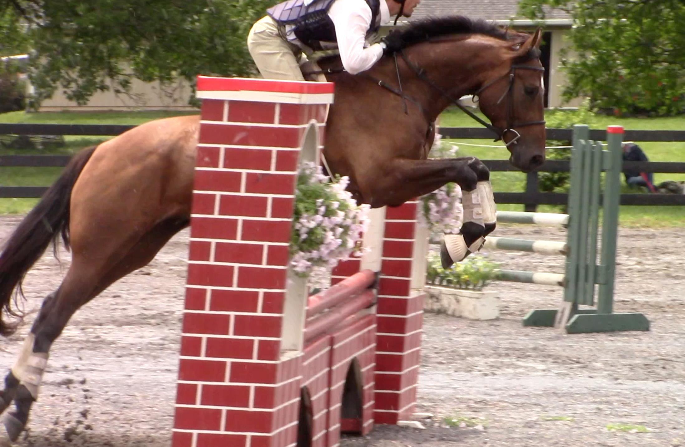 Saar HCFHT jump 1.jpg
