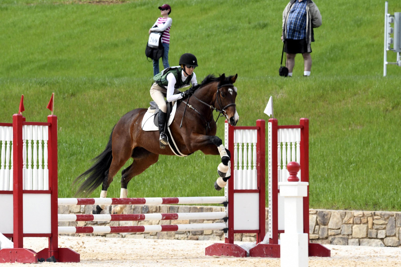 Ben LHSHT prof jump 1.jpg