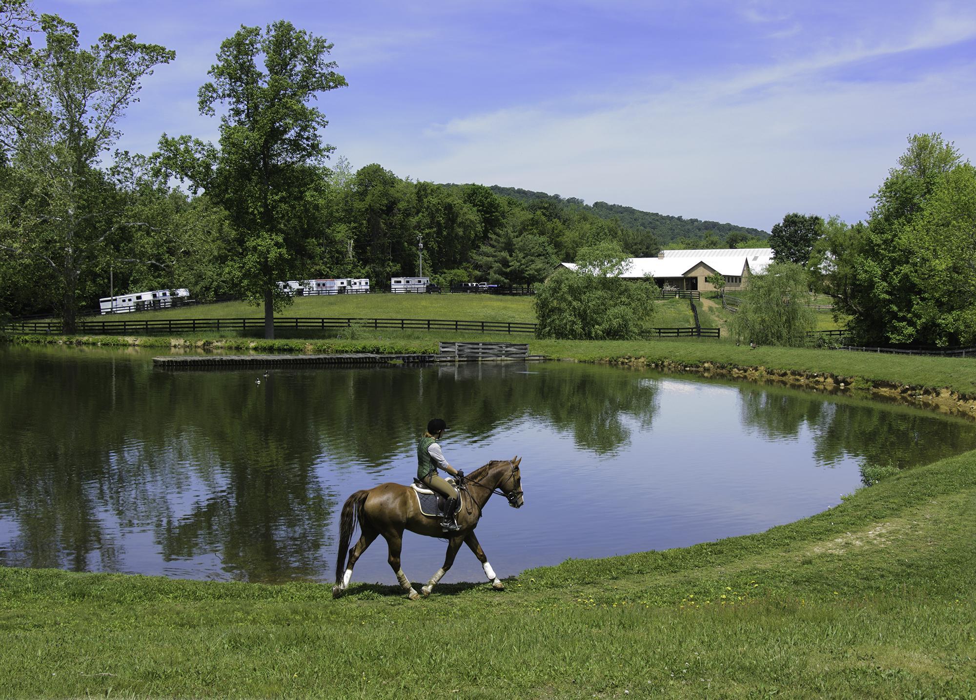 Lake_Barn_Tulla__1205120004.jpg